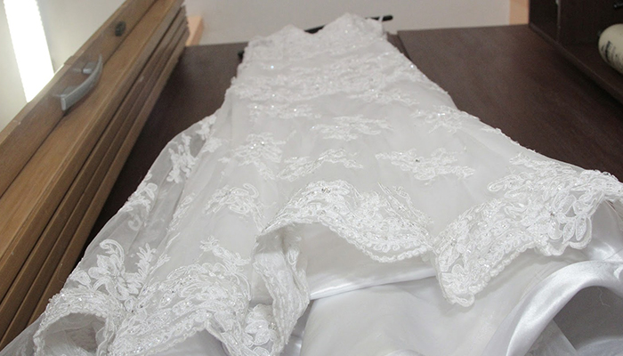 How to remove stains from your wedding dress for Wedding dress stain removal